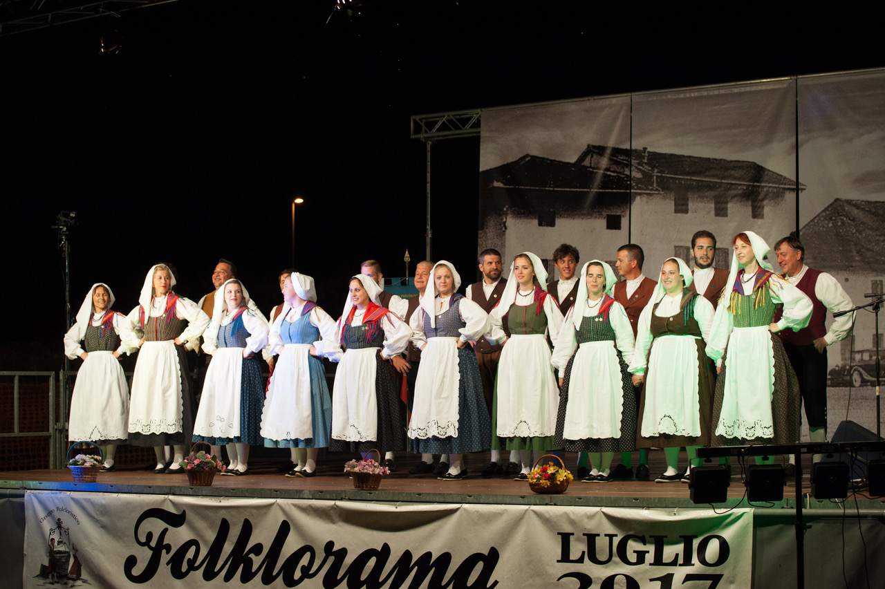Folk17-Pasian-95